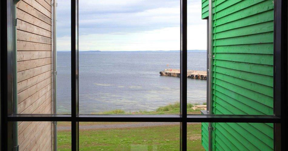The Inn window1